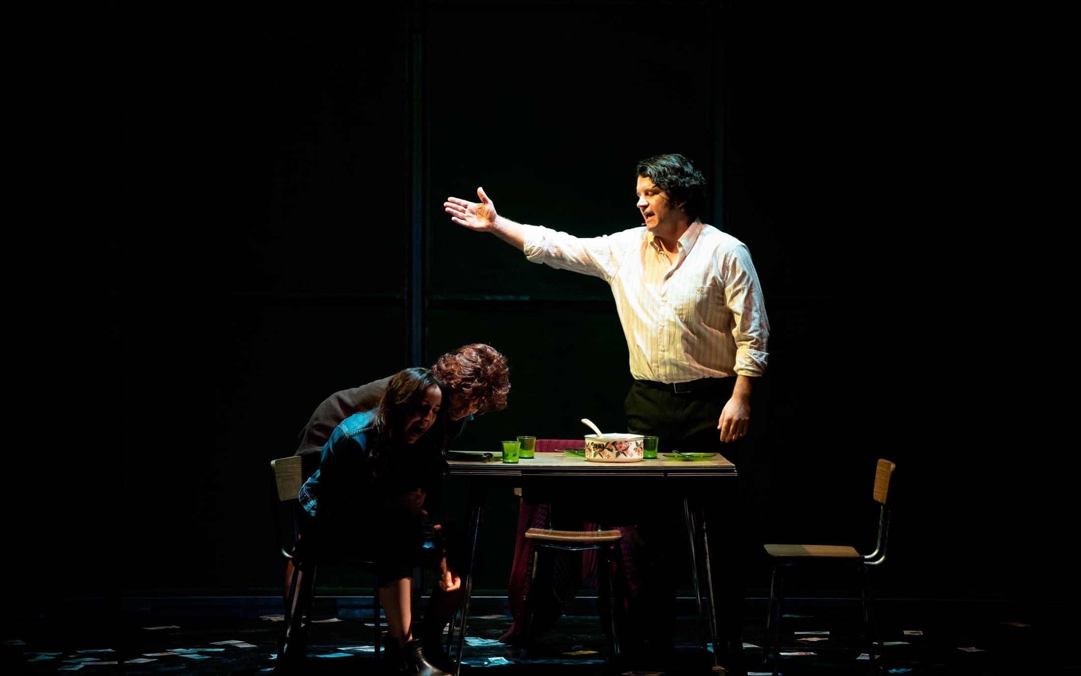 Escena de Fariña en el teatro